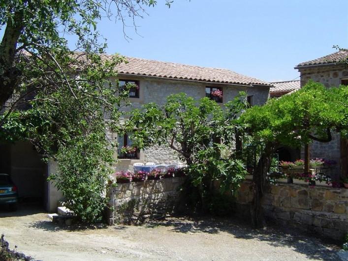 Location de vacances - Chambre d'hôtes à Chassagnes - Gîte pour 6 personnes