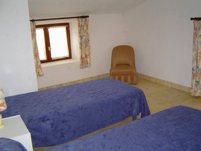 Location de vacances - Chambre d'hôtes à Chassagnes - Gîte : chambre 2