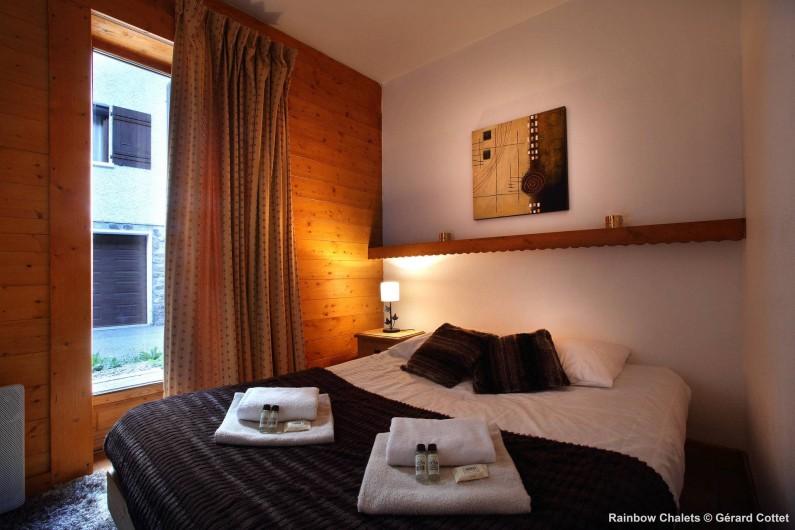 Location de vacances - Chalet à Les Menuires - Chambre double