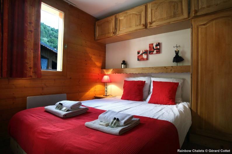 Location de vacances - Chalet à Les Menuires - Chambre lit double