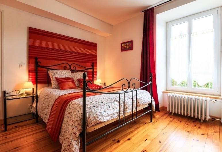 Location de vacances - Chambre d'hôtes à Tauves - Chambre Ambre