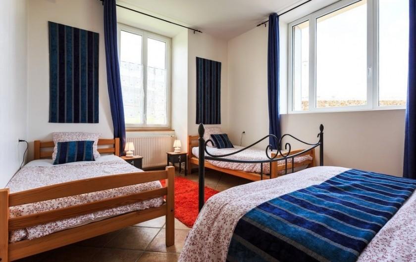 Location de vacances - Chambre d'hôtes à Tauves - Chambre Lapis Lazuli