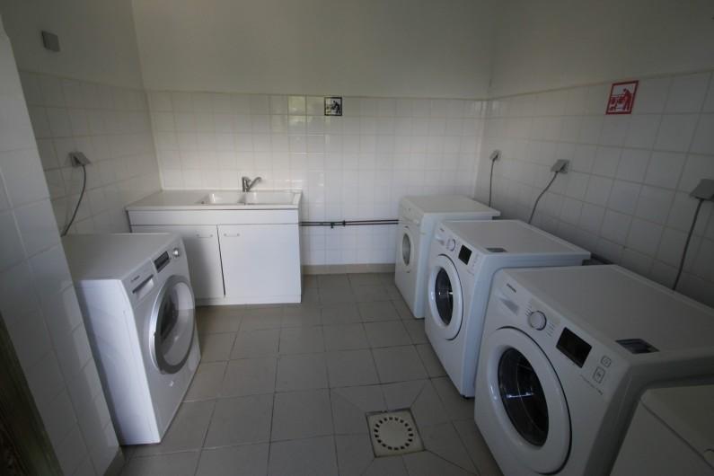 Location de vacances - Chalet à Blavignac - Pour les grandes familles: la laverie permet d'alléger vos bagages