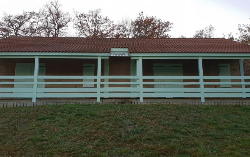 Location de vacances - Chalet à Blavignac - Des chalets doubles pour les grandes familles (12 couchages)