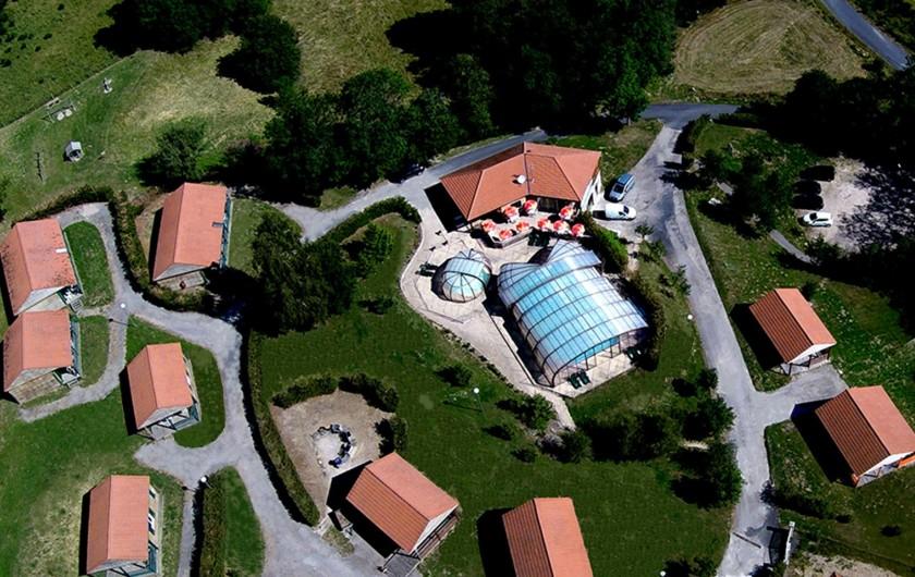 Location de vacances - Chalet à Blavignac - Une partie du village vue du ciel