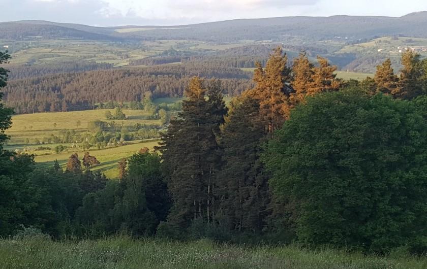 Location de vacances - Chalet à Blavignac - Des paysages à couper le souffle!