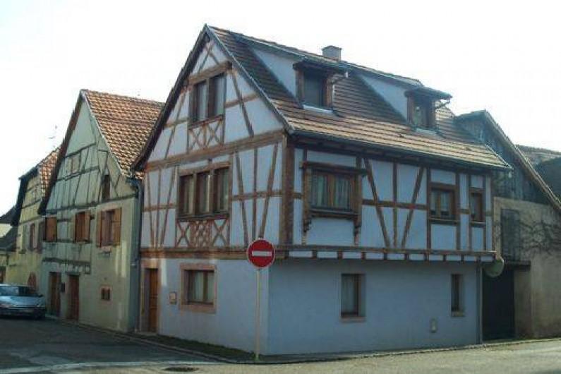 Location de vacances - Maison - Villa à Saint-Hippolyte - maison bleue à colombage : gite 2 à 4 pers