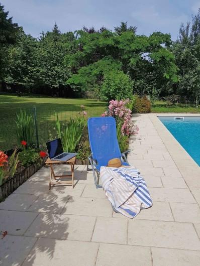 Location de vacances - Gîte à Issac - au bord de la piscine au calme