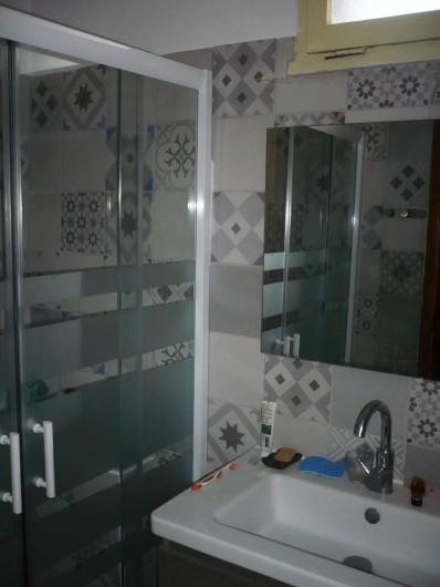 Location de vacances - Maison - Villa à Opoul-Périllos - salle de bain