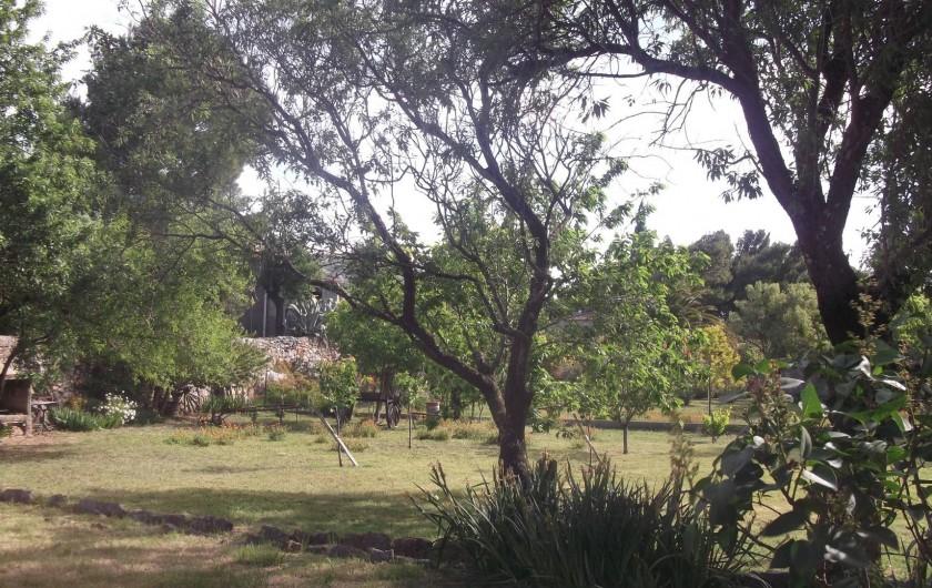 Location de vacances - Maison - Villa à Opoul-Périllos - vue depuis les chambres