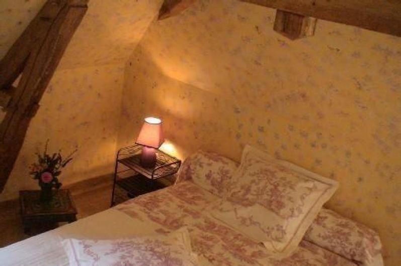 Location de vacances - Gîte à Saint-Rémy-la-Varenne - Chambre coté nord 1 litx140