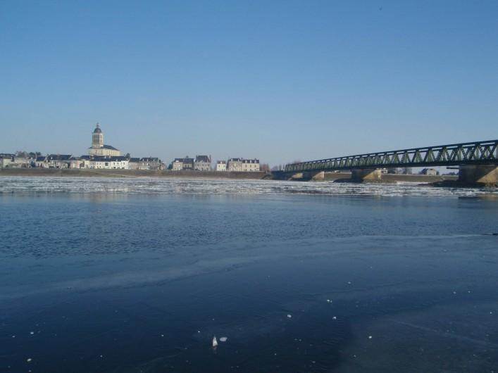 """Location de vacances - Gîte à Saint-Rémy-la-Varenne - Loire de glace """"Vue à 900m du gîte"""""""