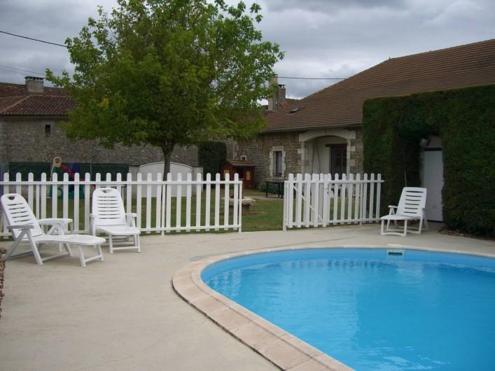 Maison de caract re avec vue imprenable saint pantaly d for Aquacap perigueux piscine