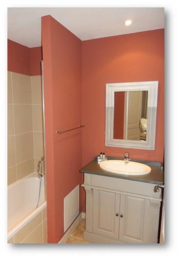 Location de vacances - Villa à La Redorte - Salle de bain au rez-de-chaussée avec coin douche