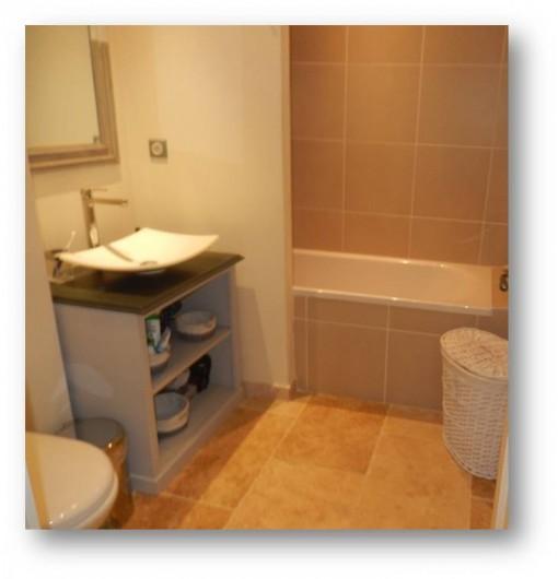 Location de vacances - Villa à La Redorte - Seconde salle de bain à l'étage avec coin douche