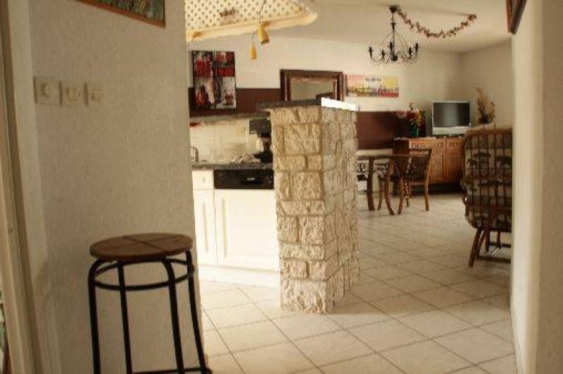 Location de vacances - Appartement à Sète - le couloir