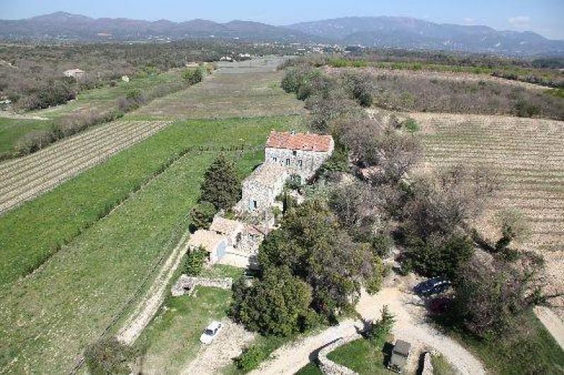 5 Gîtes De Charme Provençale Avec Piscine Chauffée À Grignan Dans La