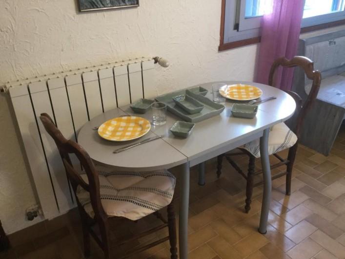 Location de vacances - Villa à Anthéor - Rez de jardin : espace repas