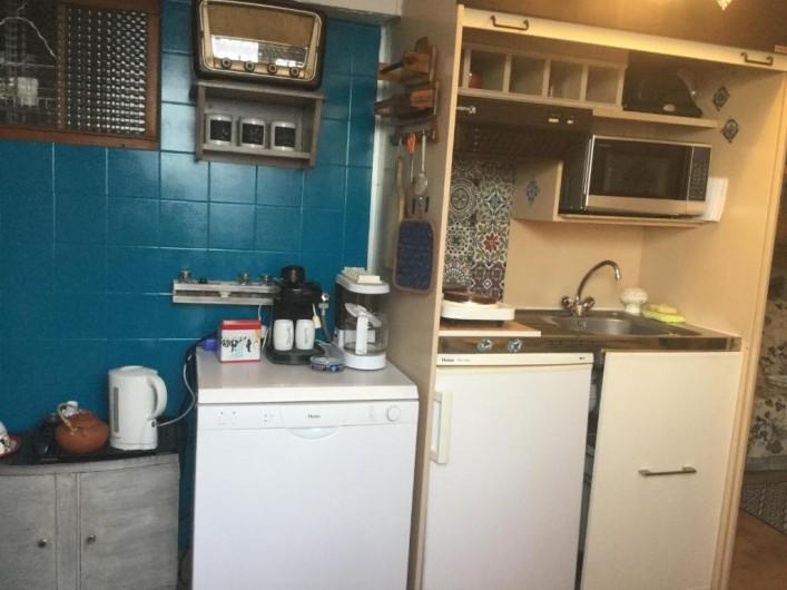 Location de vacances - Villa à Anthéor - Coin cuisine du rez de chaussée.