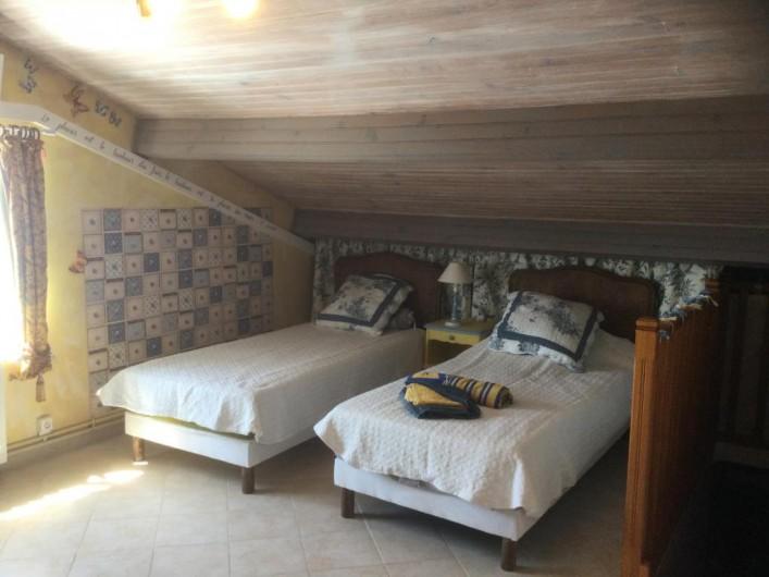 Location de vacances - Villa à Anthéor - Chambre n°2 exposition sud, accès terrasse et vue sur mer.