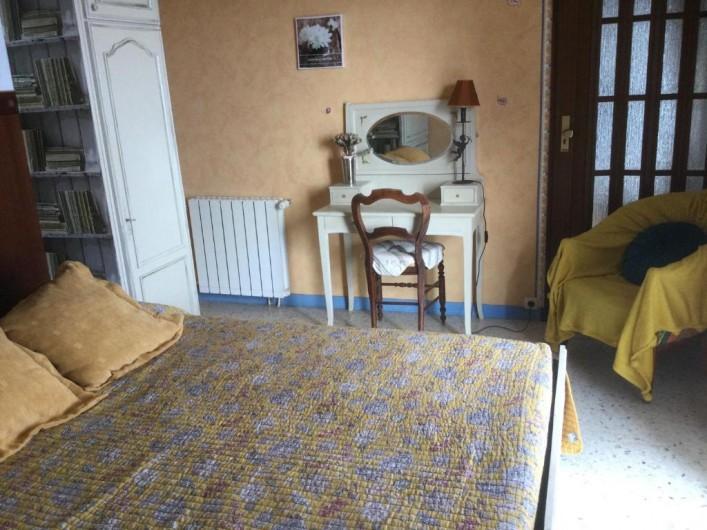 Location de vacances - Villa à Anthéor - Chambre du studio.