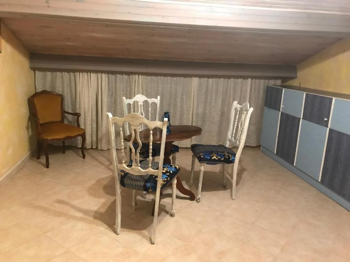 Location de vacances - Villa à Anthéor - Chambre n°3 villa exposition sud communicante, espace salon.