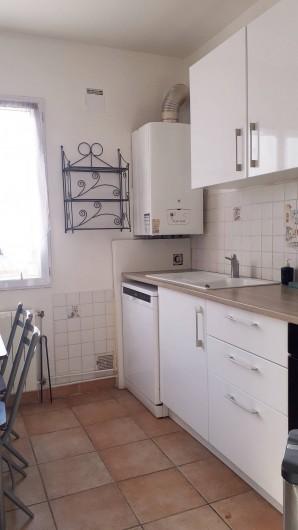 Location de vacances - Appartement à Sainte-Maxime - cuisine