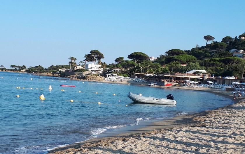 Location de vacances - Appartement à Sainte-Maxime - Plage de La Nartelle fin de journée