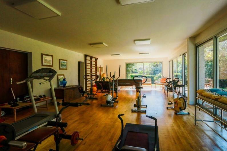 Location de vacances - Gîte à Haut-de-Bosdarros - salle de gym