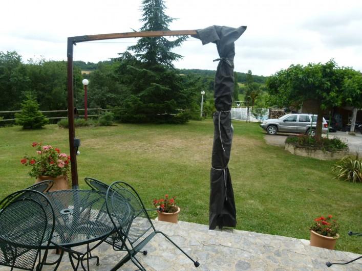 Location de vacances - Maison - Villa à Ornézan - vue extérieure depuis terrasse du gîte vers le sud