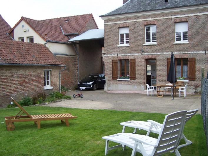 Location de vacances - Gîte à Miannay - Cour privative