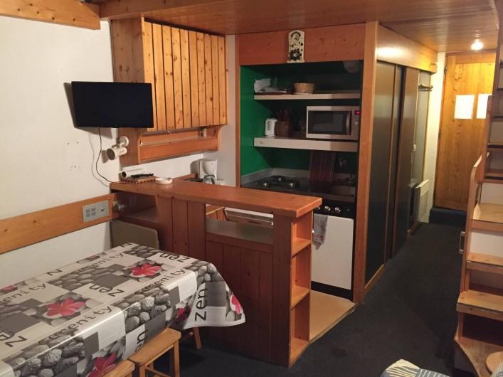 Location de vacances - Appartement à Bourg-Saint-Maurice - Séjour, coin cuisine