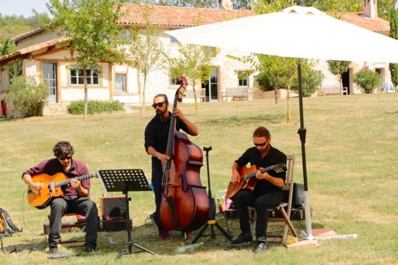 Location de vacances - Maison - Villa à Marzens - un peu de musique devant Ségur
