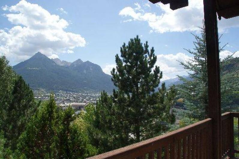 Location de vacances - Chalet à Briançon - vue du balcon à l'étage