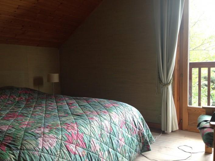 Location de vacances - Chalet à Briançon - chambre verte à l'étage