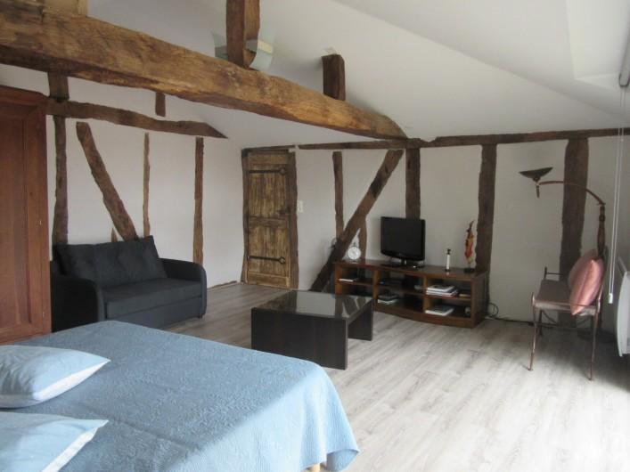 Location de vacances - Gîte à Fourcès - CHAMBRE AVEC COIN SALON