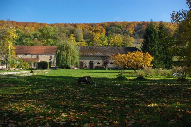 Location de vacances - Château - Manoir à Bussy-la-Pesle - Le Parc en automne