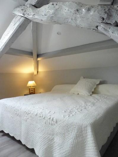 Location de vacances - Mas à Labastide-Marnhac - Lit 180  1 ere chambre haut
