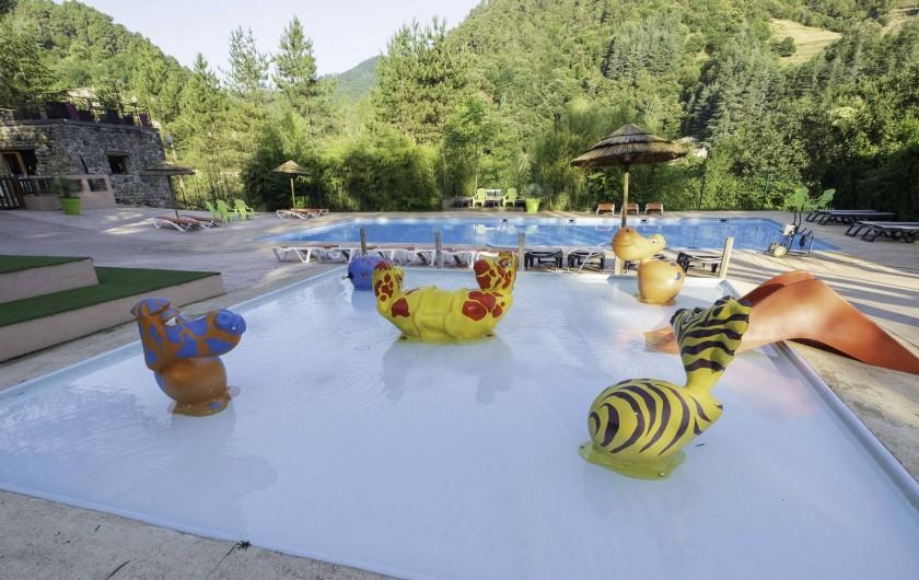 Location de vacances - Camping à Les Ollières-sur-Eyrieux - bassin enfants