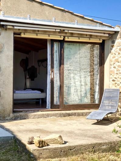 Location de vacances - Mas à Sécheras - Bergerie (vue de la cour)