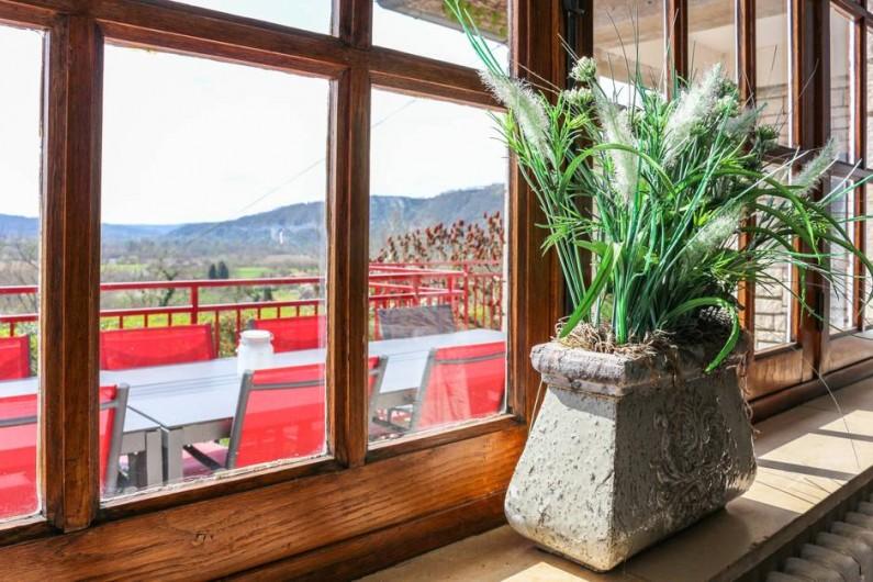 Location de vacances - Chambre d'hôtes à Saint-Sozy - Vue sur la Vallée