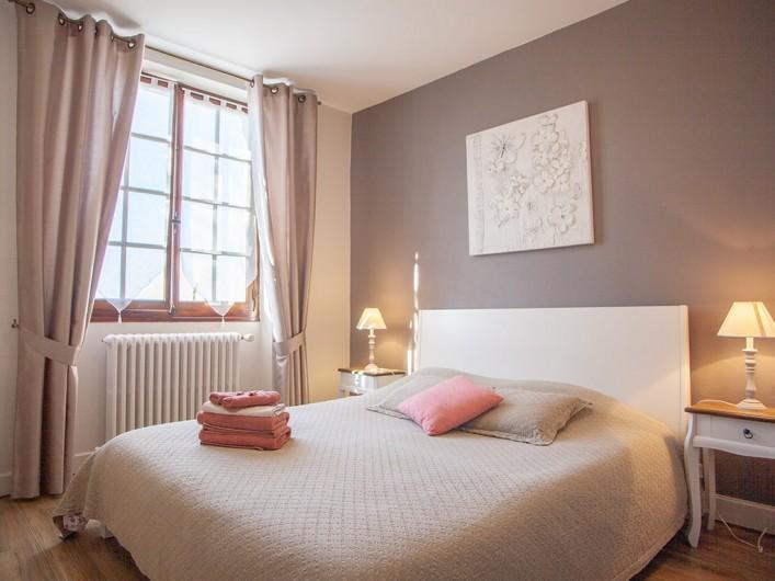 Location de vacances - Chambre d'hôtes à Saint-Sozy - Chambre de Victorine