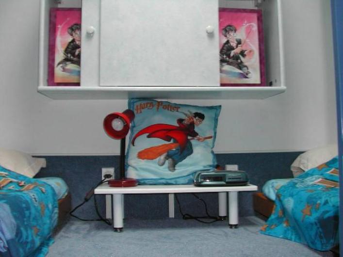 Location de vacances - Villa à Piriac-sur-Mer - Au dessus petite chambre (accès pr escalier escamotable) 2 lits bannettes...