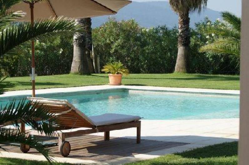 Chambres d 39 h tes villa sophie grimaud dans le var avec - Chambre d hote dans le var avec piscine ...