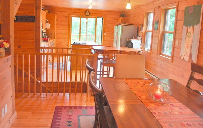 Location de vacances - Chalet à Val-David - Cuisine ouverte - Salle a manger