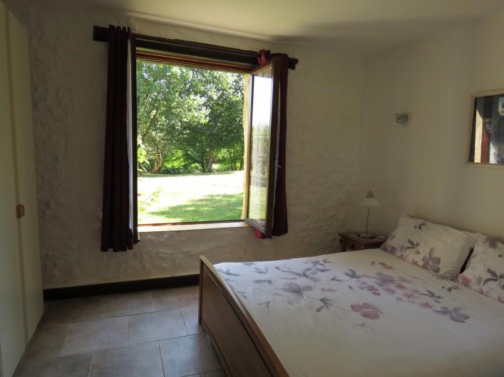 Location de vacances - Gîte à Justian - Jardin privé pour notre gîte  Aramis 5 personnes.