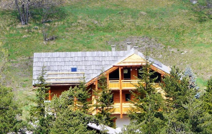 Location de vacances - Chambre d'hôtes à La Salle-les-Alpes - Le chalet exposé plein sud