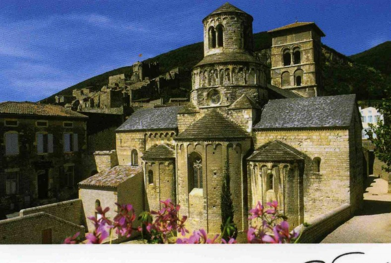 Location de vacances - Villa à Cruas - Abbatiale un chef d'oeuvre de l'art ROMAN.