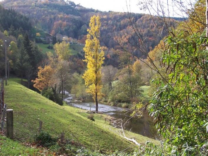 Location de vacances - Gîte à Lacrouzette - Rivière Agout, Hameau de Thouy Tarn Sidobre