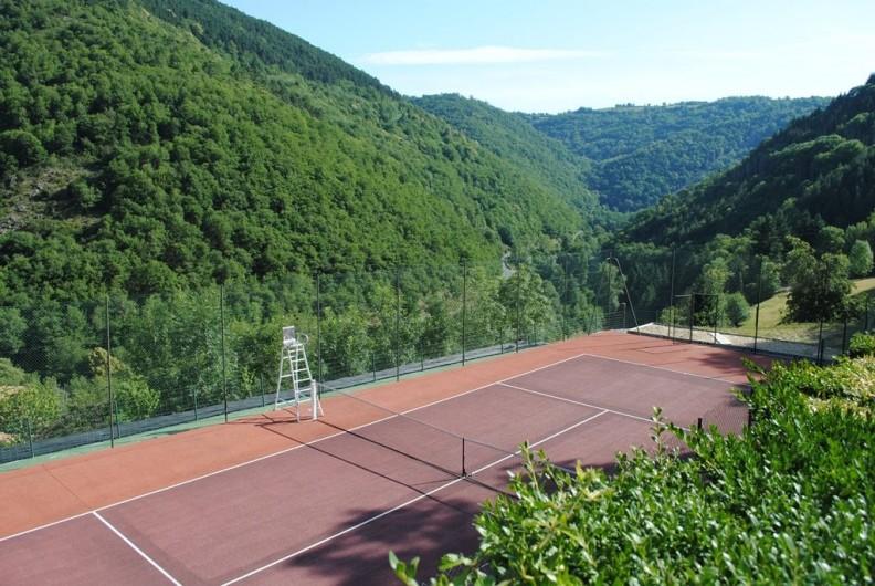 Location de vacances - Gîte à Lacrouzette - Hameau de Thouy - Tarn -      Sidobre en Occitanie Gite La Vallée  tennis